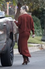 Kate Hudson Goes make up free while paying a visit to mother Goldie Hawns house on Christmas Day in Pacific Palisades