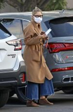 Rebecca Gayheart Grocery shopping at Bristol Farms in Beverly Hills