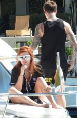 Bella Thorne On a luxury yacht with her boyfriend as she continued her vacation in Tulum