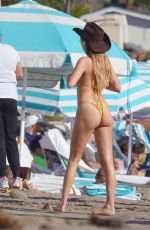 Delilah Hamlin Seen with her boyfriend and her sister on the beach in Santa Barbara