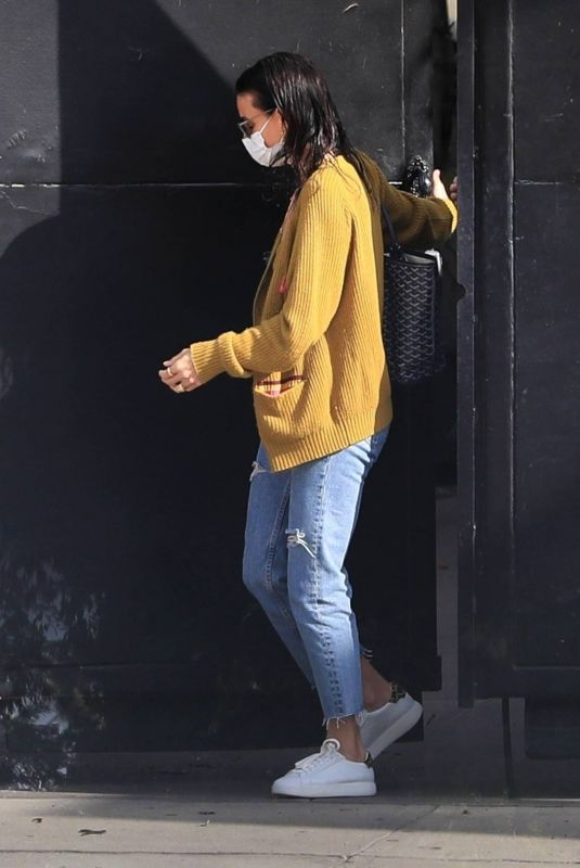 Demi Moore Leaving a hair salon in West Hollywood