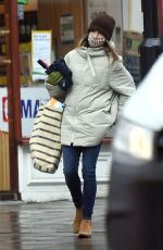Emilia Clarke Shopping in London