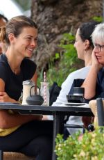 Georgia Fowler Gets her nails done in Double Bay before getting breakfast with her parents in Sydney