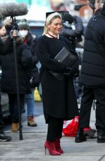 "Hilary Duff Filming scenes for ""Younger"" in Manhattan"