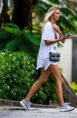 Ianthe Rose Seen on vacation in Barbados