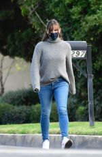 Jennifer Garner Goes for a walk and talk with a friend in her neighborhood in Brentwood