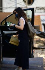 Jennifer Garner Stops to check on the construction progress of her new mansion in Brentwood