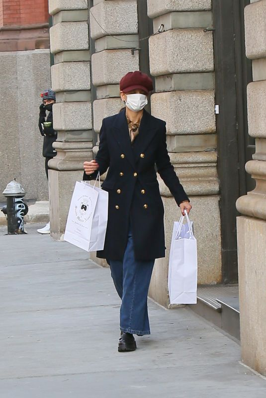 Katie Holmes Shops at Santa Maria Novella in New York