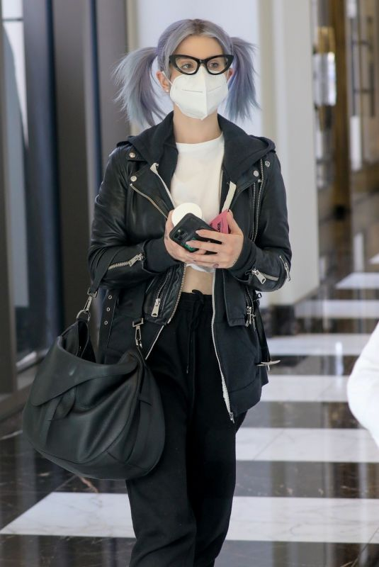 Kelly Osbourne Seen in Los Angeles