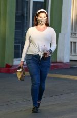 Lana Del Rey Picks up some food to go while out in Studio City