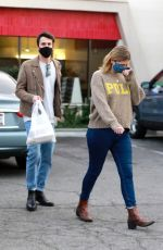 Mischa Barton Seen grabbing take-out this evening from a restaurant in Los Feliz