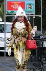 Phoebe Price Gets her Fanta fix at Ralph