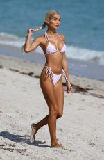 Pia Mia Seen on the beach in Miami