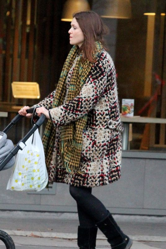 Sophie Ellis-Bextor Runs a few errands with her youngest son Mickey in London