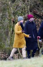 Taylor Swift Out for a walk in London