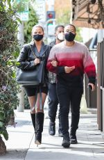 Chrissy Teigen Enjoys a lunch date at Il Pastaio in Beverly Hills