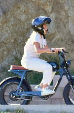 Florence Pugh Enjoys a fun electric bike ride with a friend in her Los Angeles neighborhood