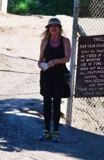Goldie Hawn Out for a hike with a friend in Brentwood