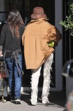Hailey Bieber Arriving at a hair salon in Beverly Hills