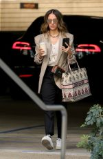 Jessica Alba Arrives at her office in Los Angeles