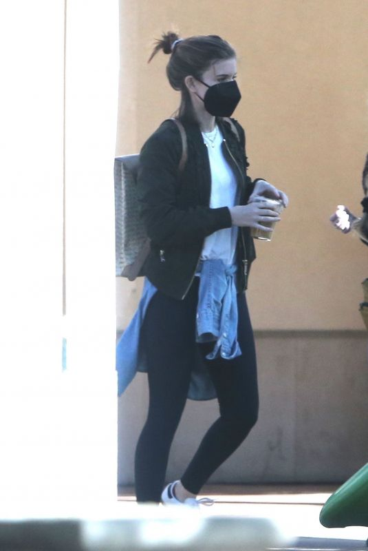 Kate Mara Goes to the park with her daughter in Silverlake