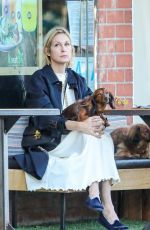 Kelly Rutherford At Kreation Organic Kafe in Beverly Hills