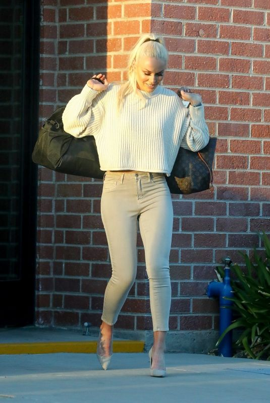Lindsey Vonn Seen leaving a photoshoot in Los Angeles
