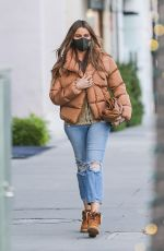 Sofia Vergara Heads out for an espresso drink at Ferrarini Cafe in Beverly Hills