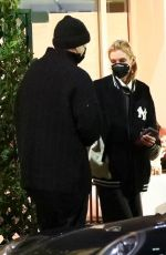 Stella Maxwell Is seen grabbing a late dinner at celebrity