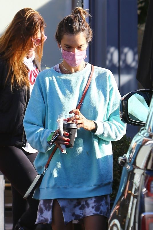 Alessandra Ambrosio Out for breakfast in Pacific Palisades