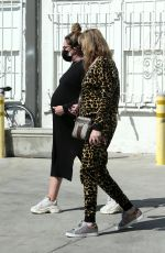 Ashley Tisdale Gets together with her mother for lunch in Los Angeles