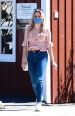 Ava Phillippe Makes a visit to the Brentwood Country Mart