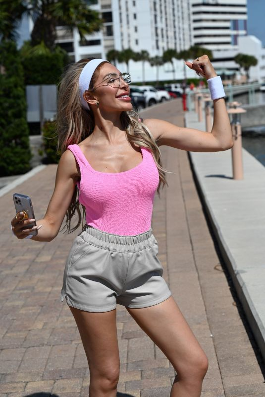 Farrah Abraham Works up a sweat with a beach yoga session in Palm Beach