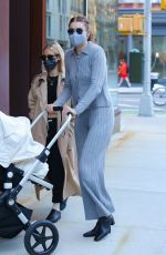 Gigi Hadid Goes out to lunch with a friend and her baby Khai in New York