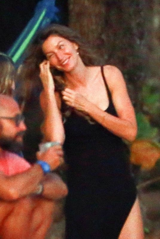 Gisele Bundchen During her family trip to Costa Rica