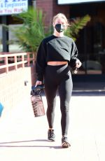 Julianne Hough Heading to a gym for a workout in Los Angeles