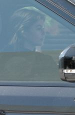 Kaia Gerber Grabs juice at Earthbar after her workout at DogPound Gym in West Hollywood