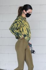 Kendall Jenner Displays her model frame while leaving the gym in Beverly Hills