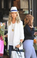 Lady Victoria Hervey looks stylish as she buys flowers at Bristol farms