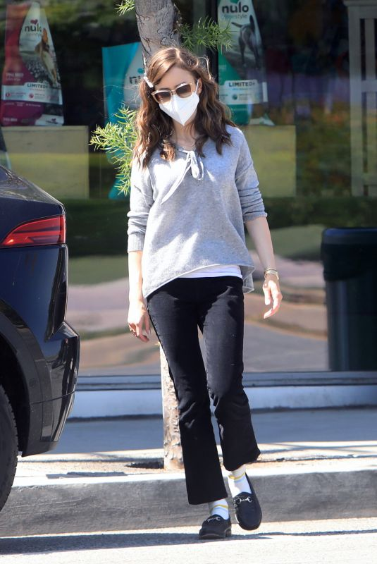 Lily Collins Buying food & treats for Redford in West Hollywood
