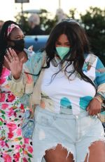 Lizzo Enjoys an early dinner with her mom Shari Johnson-Jefferson and family members at celebrity hot spot Nobu Malibu
