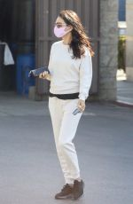 Mila Kunis Leaving a skin care clinic in West Hollywood