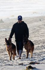 Nicole Richie, Joel Madden, and son Sparrow take their dogs for a walk in Ventura