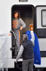 Rose Byrne Taking out clumps of her wig as she changes into her own clothing after filming a scene for