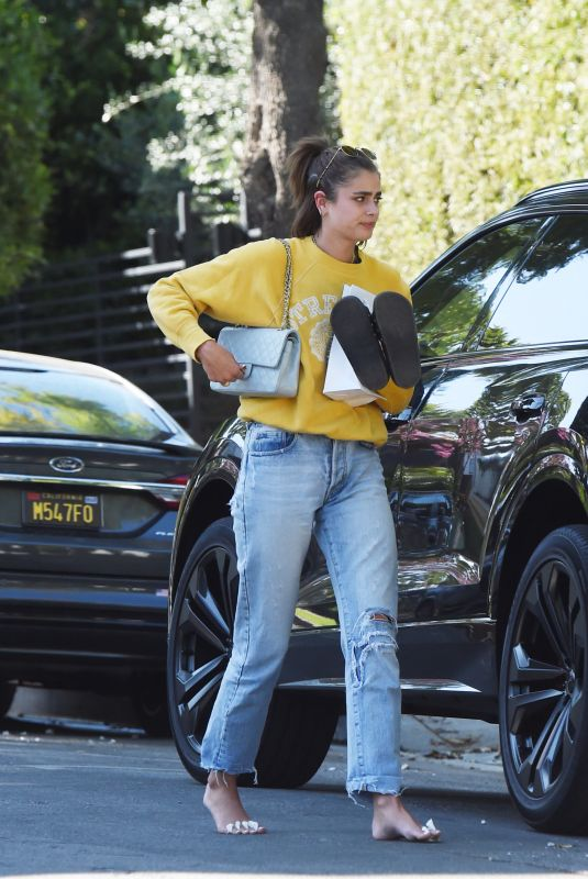 Taylor Hill Arriving at her house after a trip to a nail salon in Los Angeles