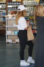 Addison Rae Grabs a smoothie after a workout in West Hollywood