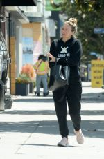Alicia Silverstone Heading to the gym in Los Angeles