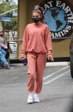 Chantel Jeffries Stops by Earth Bar for a smoothie in Los Angeles