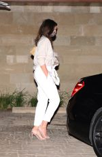 Cindy Crawford Looks amazing in all white as she lounges at the Soho House in Malibu