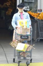 Diane Kruger Spotted shopping at Bristol Farms in Los Angeles